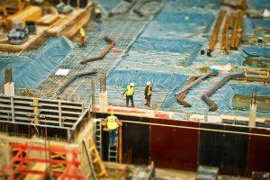 Zastosowania folii budowlanej