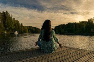 Zalety medytacji midfulness