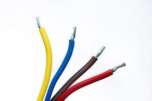 Puszki instalacyjne umożliwiają łączenie kabli